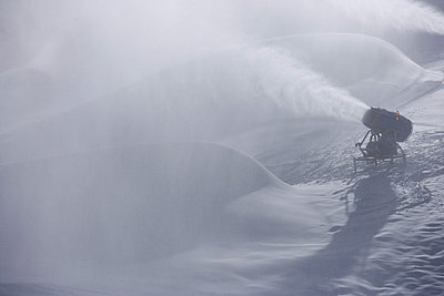 Artificial snow - p8670160 by Thomas Degen