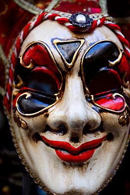 Mask - p1100816 by B.O.A.