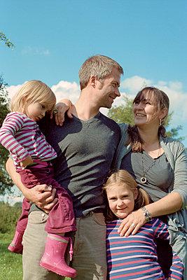 Familienbild - p1210m1068375 von Ono Ludwig
