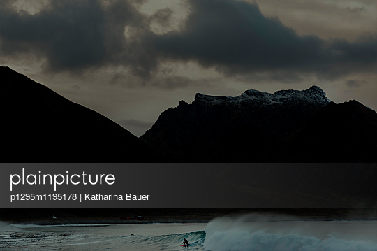 Lofoten - p1295m1195178 von Katharina Bauer