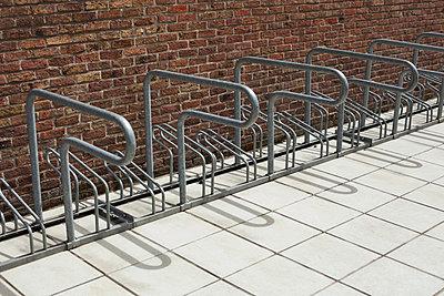 Bicycle rack - p586m858864 by Kniel Synnatzschke