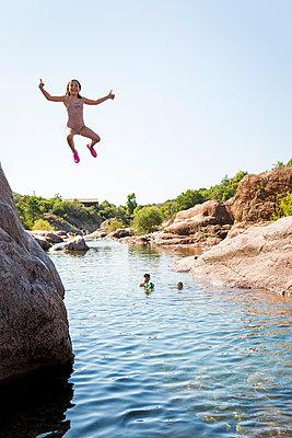 Jump - p756m2021952 by Bénédicte Lassalle