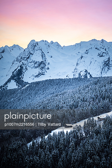 France, Mountains and snowy valley - p1007m2216556 by Tilby Vattard