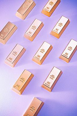 Gold bars - p1149m1589518 by Yvonne Röder