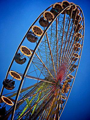 The ferris wheel - p8130222 by B.Jaubert