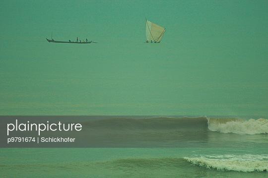 Fischerboote an der Kueste von Ghana - p9791674 von Schickhofer