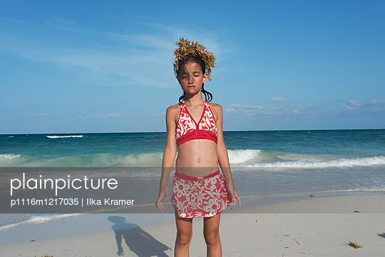 Mädchen in Tulum - p1116m1217035 von Ilka Kramer