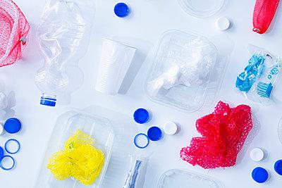 Plastic waste - p1149m2116630 by Yvonne Röder