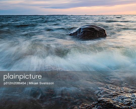 Long exposure shot of coast - p312m2086454 by Mikael Svensson