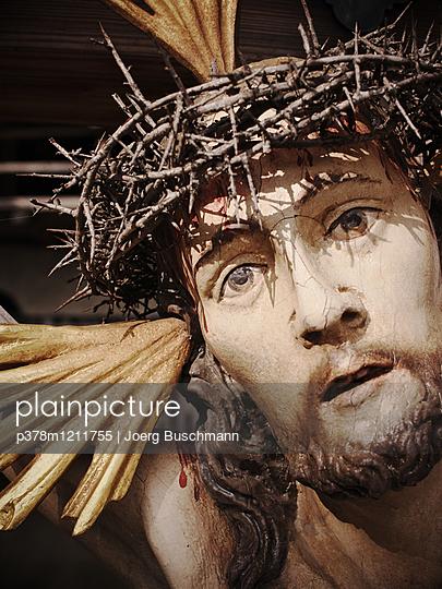 Jesus close-up - p378m1211755 by Joerg Buschmann