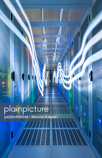 Data storage in data warehouse - p429m896048 by Mischa Keijser