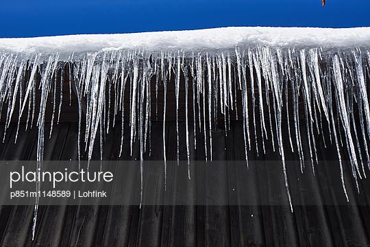 Reihe Eiszapfen - p851m1148589 von Lohfink