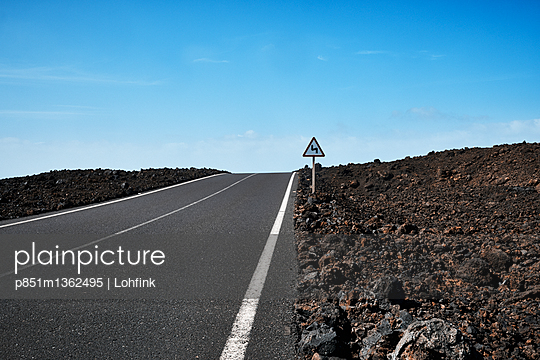 Country road in Lanzarote - p851m1362495 by Lohfink