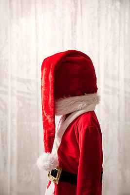Little Santa - p784m2272953 by Henriette Hermann