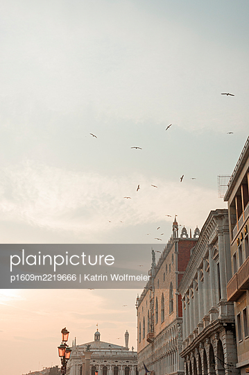 Facades of old buildings in Venice - p1609m2219666 by Katrin Wolfmeier