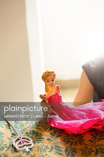 Fake Barbie - p454m2158737 by Lubitz + Dorner