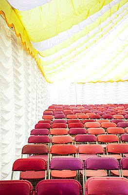 Publikum wird erwartet - p1057m916821 von Stephen Shepherd