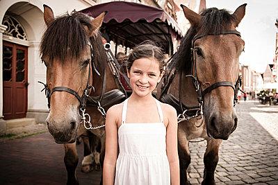 Portrait - p1230m1042635 by tommenz