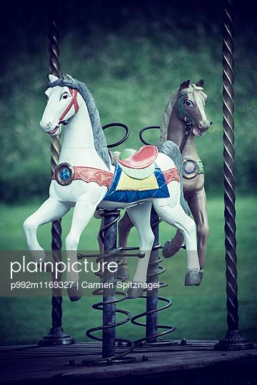 Karussellpferd - p992m1169327 von Carmen Spitznagel