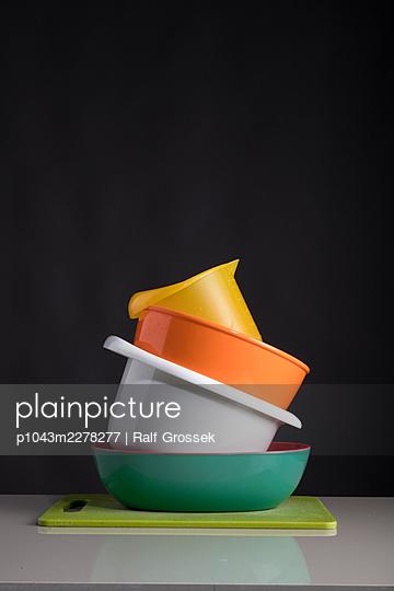 plastic - p1043m2278277 by Ralf Grossek
