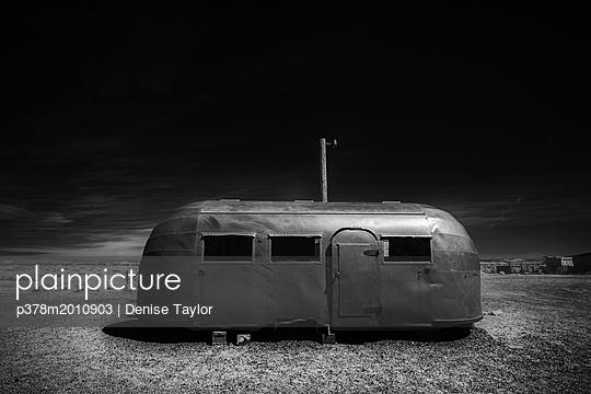 p378m2010903 von Denise Taylor