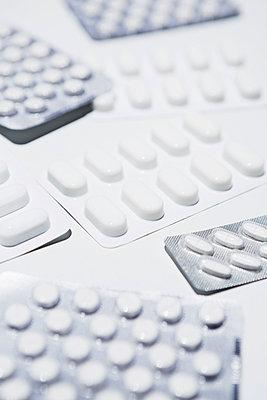 Pills - p1149m1215104 by Yvonne Röder