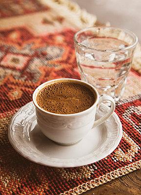 coffee break - p382m2108745 by Anna Matzen