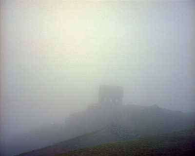 Inca ruin in the fog - p945m1468111 by aurelia frey