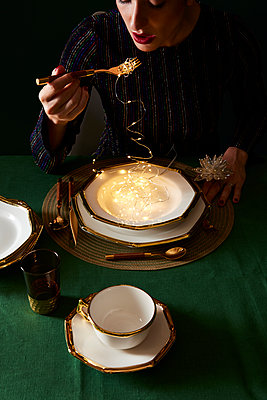 spaghetti lights - p1379m1525406 by James Ransom
