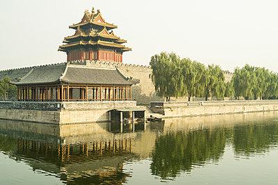 Forbidden City - p1202m1061306 by Jörg Schwalfenberg