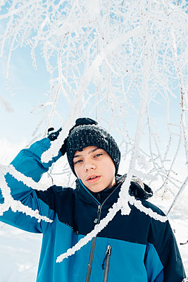Teenager Portrait in Winter - p1262m1200657 by Maryanne Gobble
