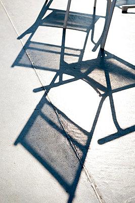 Stuhlschatten - p1164m951916 von Uwe Schinkel