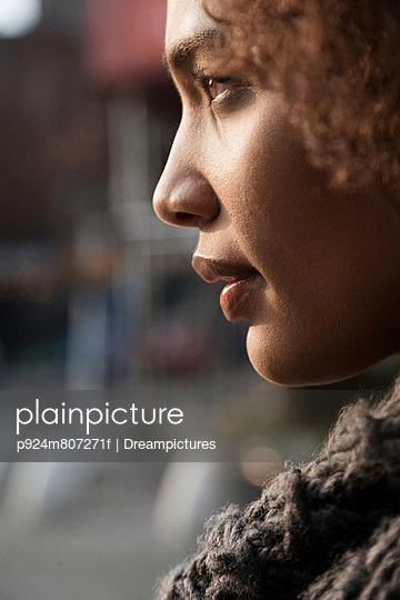 Profile view of woman's face - p924m807271f by Dreampictures