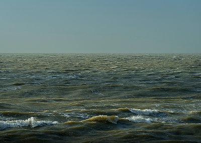 northsea storm - p1132m1124881 by Mischa Keijser