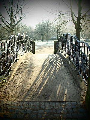 Bridge at citizens park - p132m1538513 by Peer Hanslik