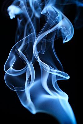 Rauchformen - p179m741602 von Roland Schneider