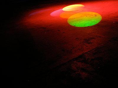 spotlight - p627m672047 by Marco Dinkel