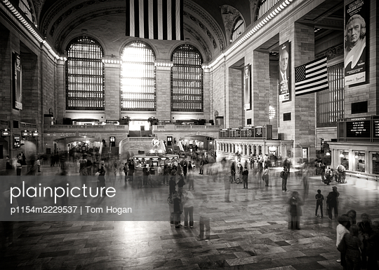 USA, New York City, Grand Central Station - p1154m2229537 by Tom Hogan