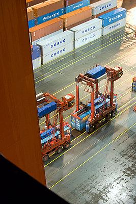 Containerhafen - p416m991088 von Dominik Reipka