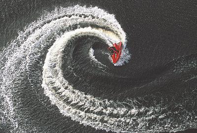 Birds-eye view of a speed boat - p3437470f by Joel Sheagren