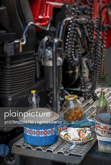 Germany, Bavaria, Rest area, Truck and Food - p1275m2224700 by cgimanufaktur