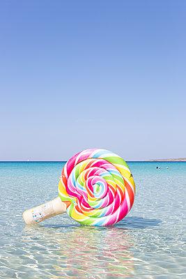Sweet summer holidays - p454m2163833 by Lubitz + Dorner