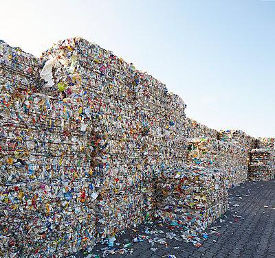 Waste - p719m1000595 by Rudi Sebastian