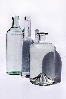 bottles - p258m1480732 von Katarzyna Sonnewend
