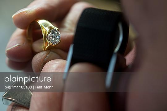Juwelier - p427m1165130 von R. Mohr