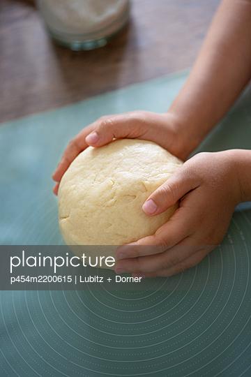 Done - p454m2200615 by Lubitz + Dorner