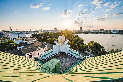 Blick auf Binnen- und Außenalster vom Dach des Hotel Atlantic, Hamburg III - p1493m1584678 von Alexander Mertsch