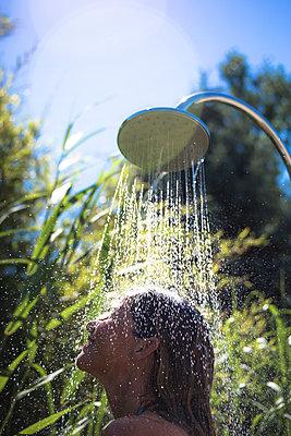 Duschen im Freien - p958m2007829 von KL23