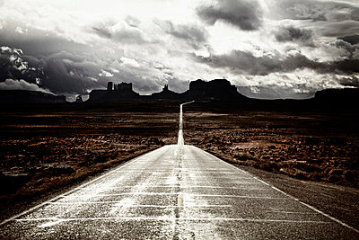 Road South through Monument Valley, Utah, USA - p6944851 by Noll Images