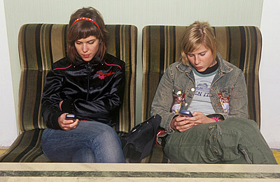Handysüchtig - p1650275 von Andrea Schoenrock